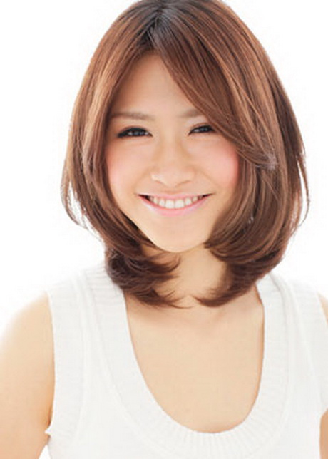 Hairstyles for round faces women - photo#49