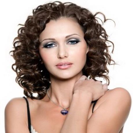 hairstyles-for-short-permed-hair-91_6.jpg