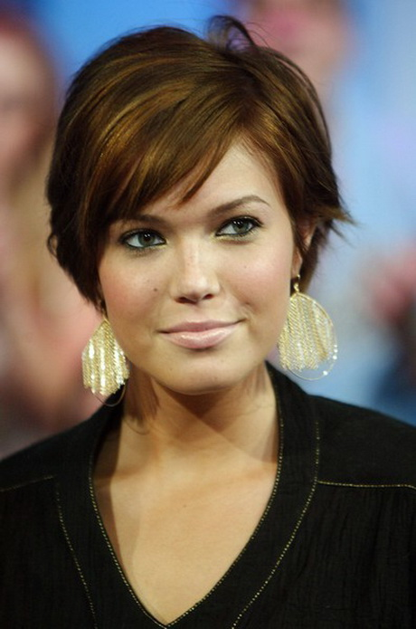 20+ Short Haircuts for Women Over 50   Pretty Designs