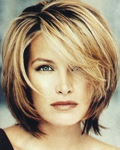 Modern hairstyles for women over 40