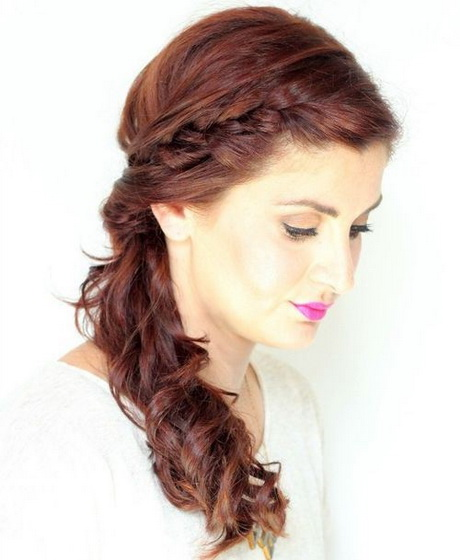 Side curly ponytail hairstyles