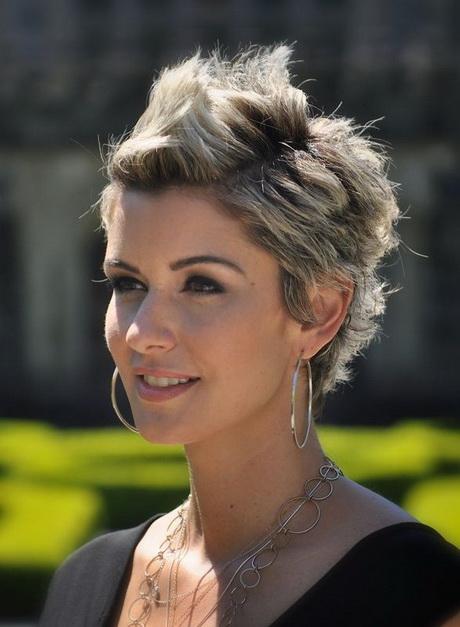 Best short haircuts women