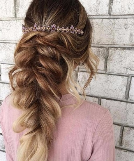 Beautiful Prom Hairstyles 46