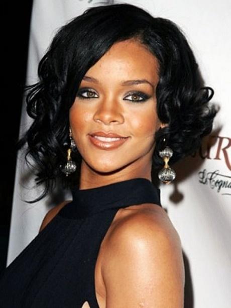 Short to medium hairstyles for black women