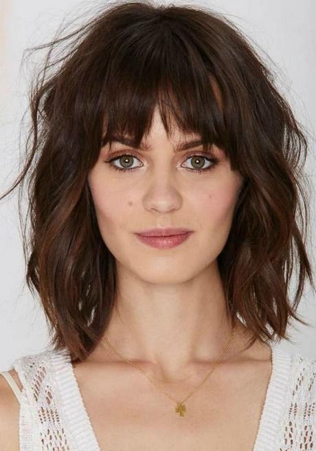 Shoulder length female haircuts