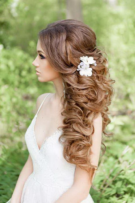Long hair wedding hairdos 30 curly wedding hairstyles junglespirit Choice Image