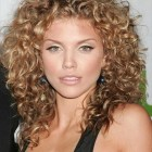 Best curly haircuts