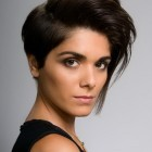 Chic short haircuts for women