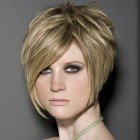 Hair style for short hair