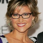 Hairstyles for older women with glasses