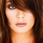Round face hairstyles for women