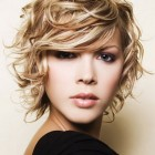 Short cute curly hairstyles