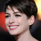 Short haircuts celebrity women