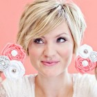 Short haircuts for women over 20