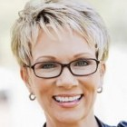 Short haircuts for women over 60 with round faces