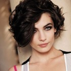 Short hairstyles for frizzy hair