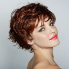 Short hairstyles for wavy hair 2015