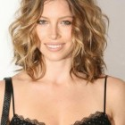 Shoulder length hairstyles for curly hair