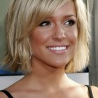 Short to medium length hairstyles for women