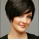 Short haircuts for thin hair women