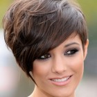 Short haircuts on women