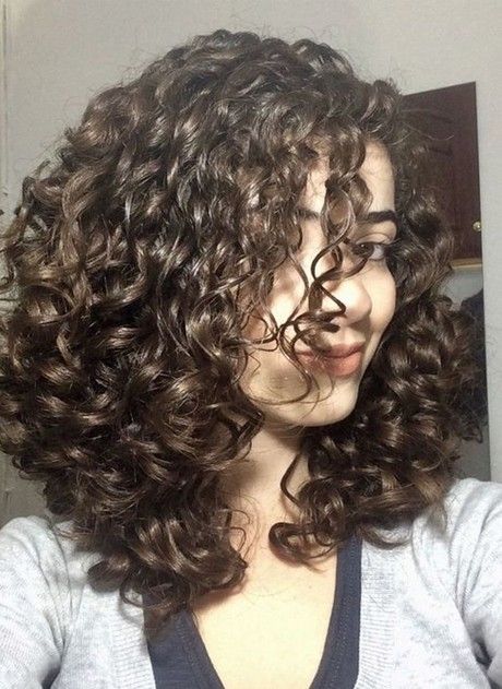 Long curly hairstyles 2020