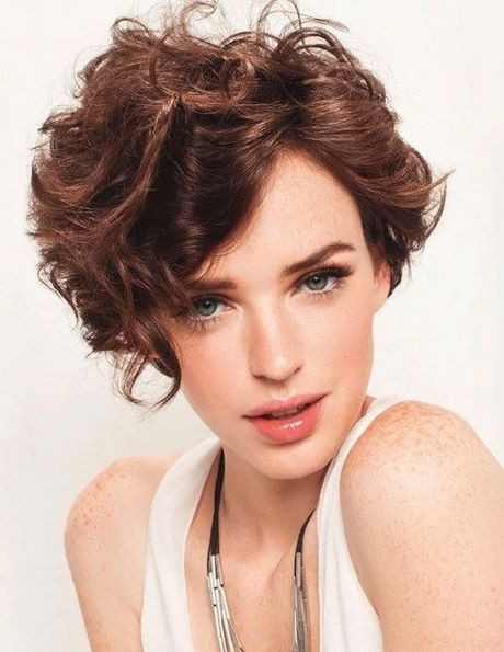 Short haircuts for curly hair 2020