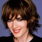 Short haircuts for wavy hair