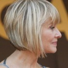 10 hairstyles that make you look younger