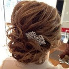 8 wedding hairstyles half up