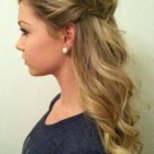 Hairstyles 1/2 up