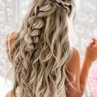 Beautiful prom hairstyles 2020