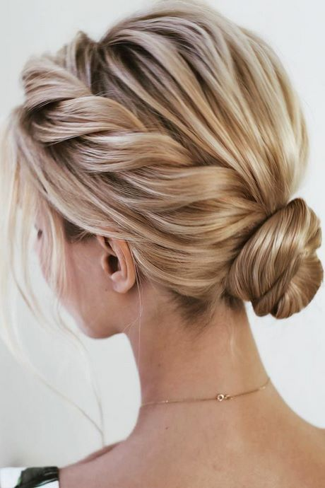 Prom 2021 hair trends