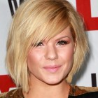 Short hairstyles for full round faces