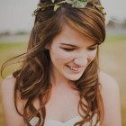 Simple wedding hairstyles for bridesmaids
