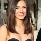 One length shoulder length haircut