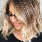 Shoulder length hair colour