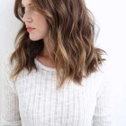 Shoulder length hair for wavy hair