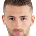 Small hairstyle for man