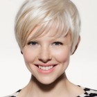 Short hair cut for woman