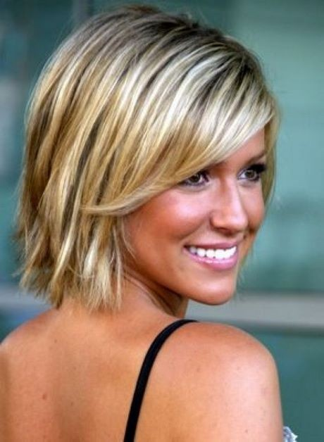 Short haircuts for thinning hair on top