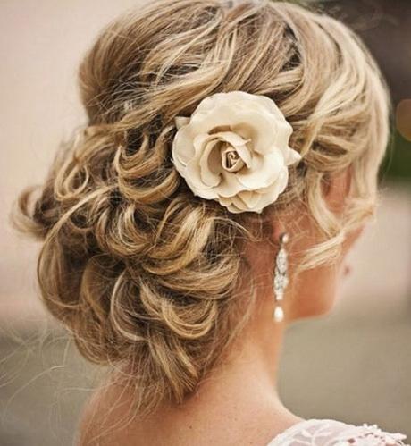 Wedding hair for shoulder length hair