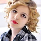 Cute haircuts for short curly hair