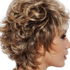 Short curly hair styles for women