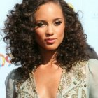 Cute naturally curly hairstyles