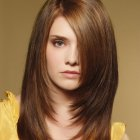 Hairstyles for long hair round face