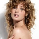 Model curly hairstyles