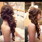 Prom hairstyles for long hair to the side