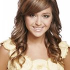 Prom hairstyles for medium hair down