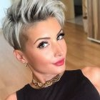 Short hairstyle trends 2021